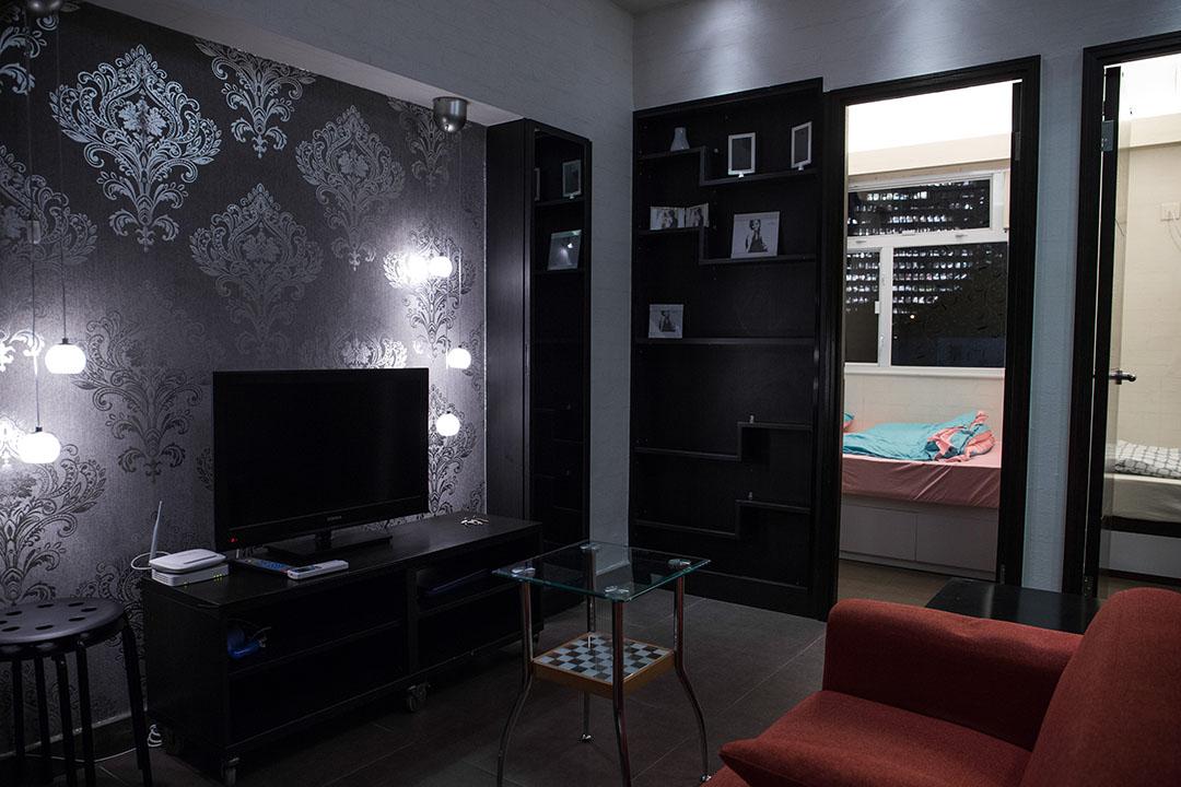 香港也有房東透過Airbnb出租房間。圖為灣仔區出租的單位。攝:盧翊銘/端傳媒