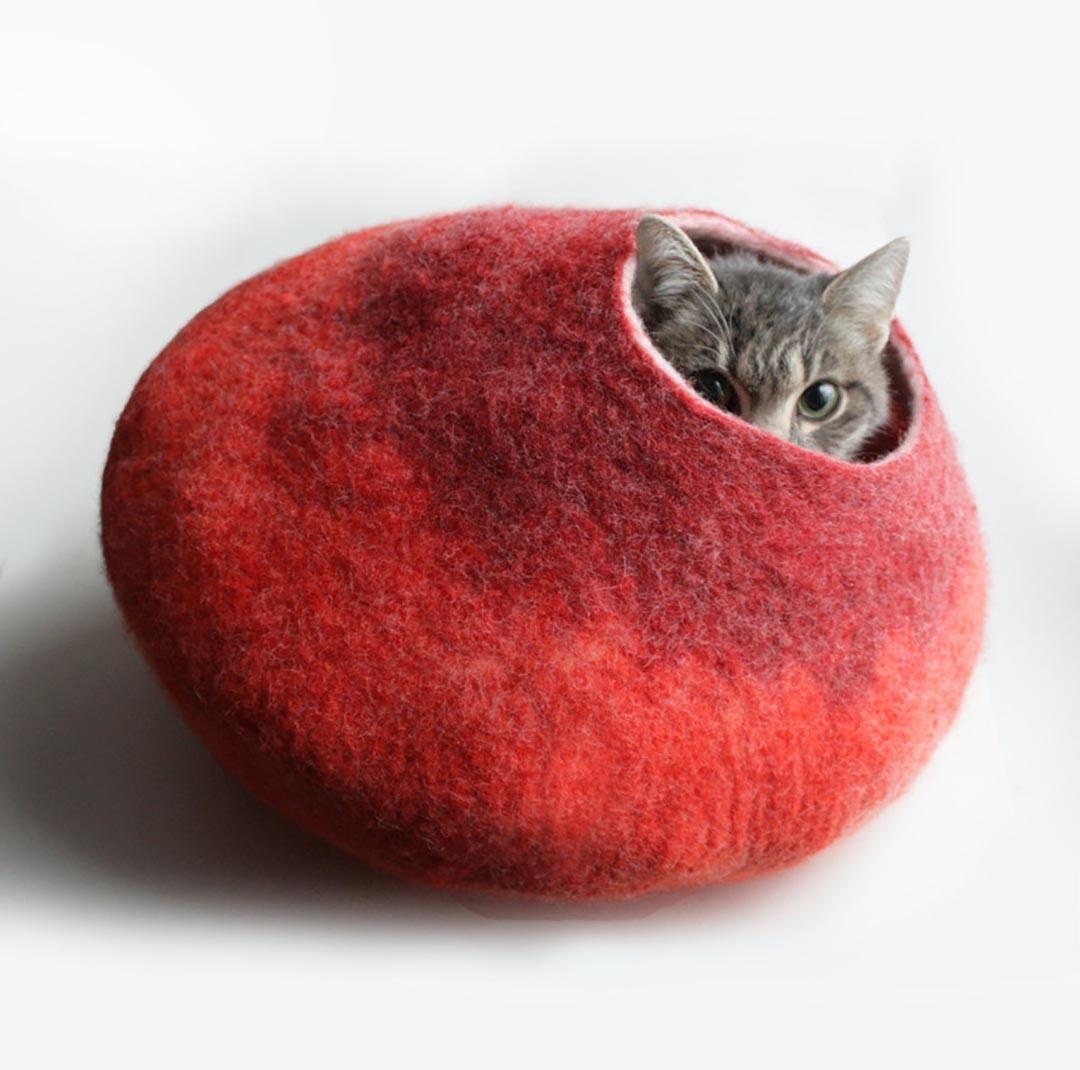 立陶宛的布藝設計師 Vaiva Nat 以羊毛製作的貓窩,在視覺和手感上都同樣溫暖。圖片由作者提供