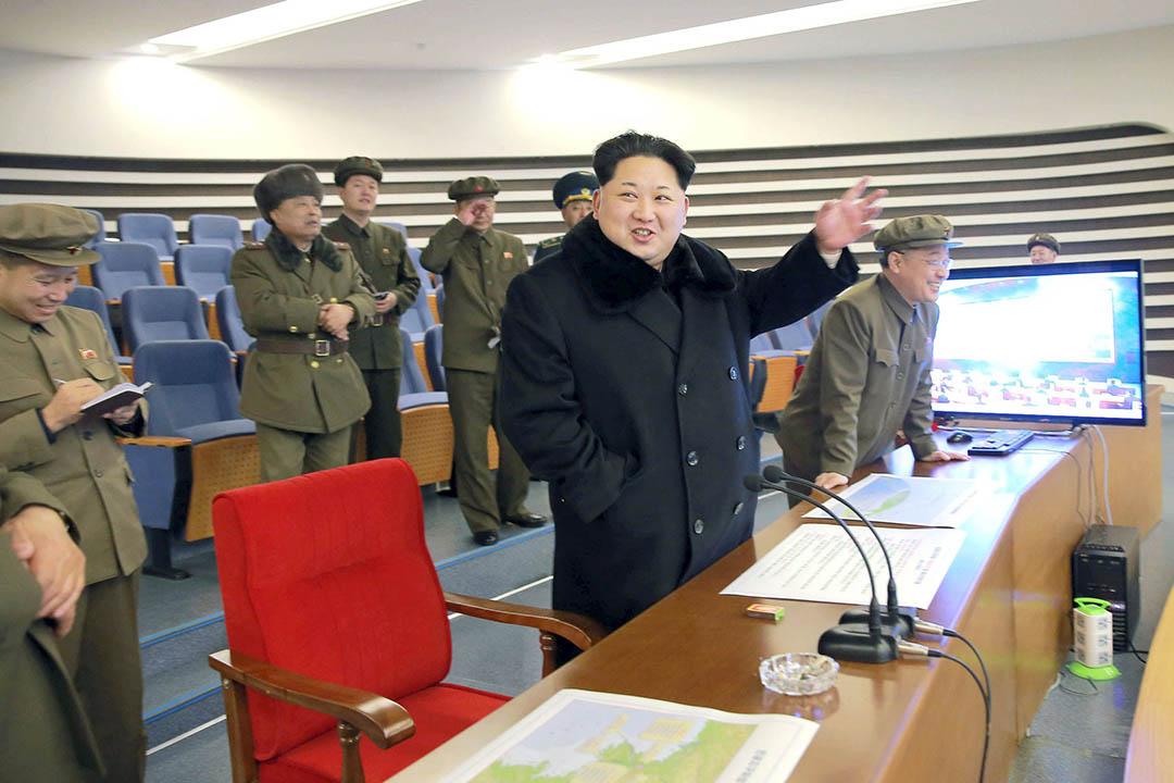 2016年2月7日,北韓領導人金正恩視察位於東倉里的西海衛星發射場。 攝:Kyodo/REUTERS