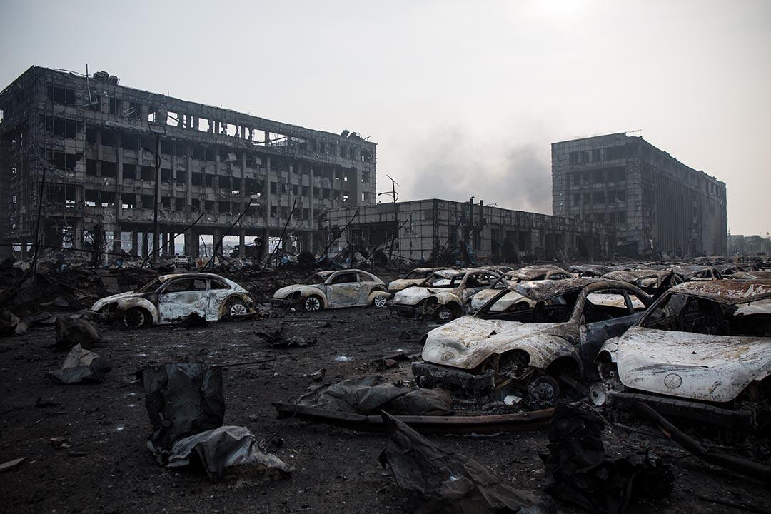 爆炸現場旁邊的房車殘骸。攝 : Billy H.C. Kwok/端傳媒