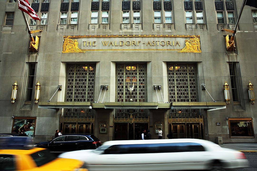 2014年末,中國安邦保險集團曾向美國私募基金黑石集團(Blackstone Group)收購紐約華爾道夫酒店(Waldorf Astoria)。攝 : Spencer Platt/GETTY