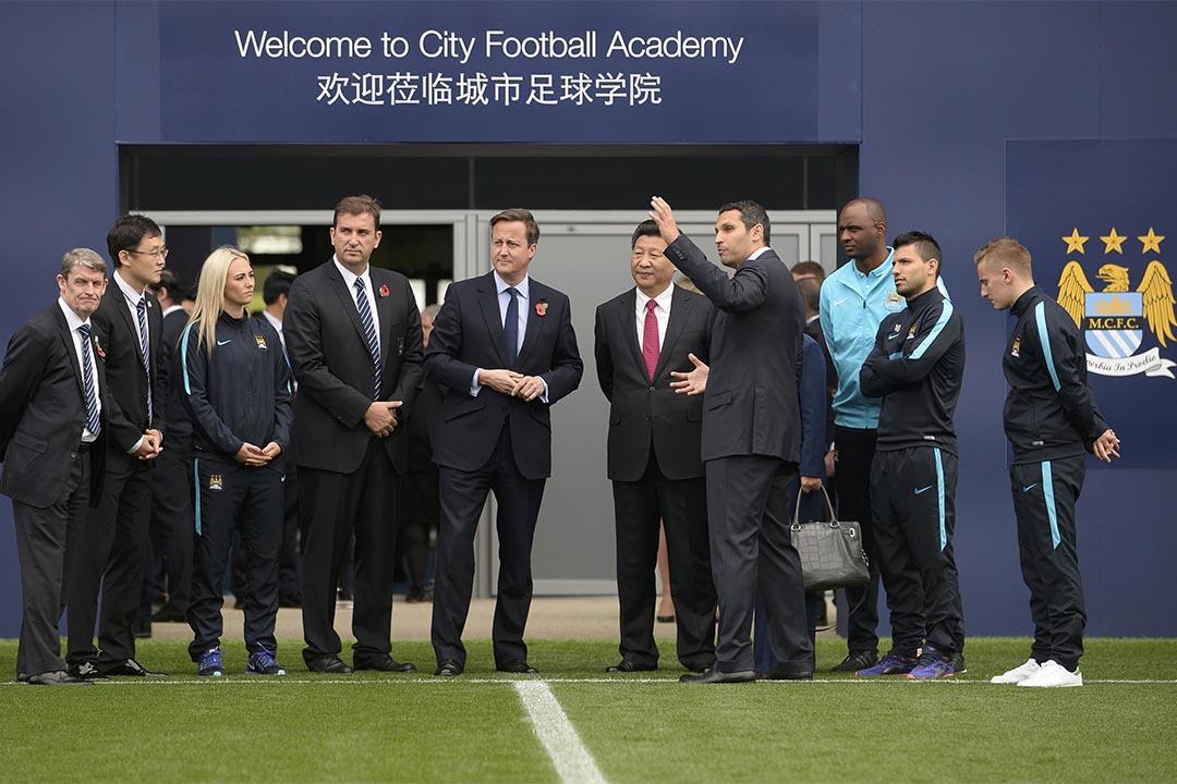 中國國家主席習近平到訪曼徹斯特參觀曼城足球學院。攝:joe Middens/WPA Pool/Getty
