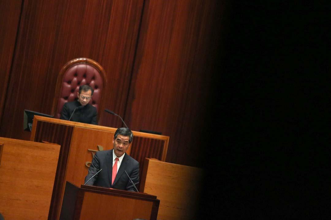 香港特首梁振英發表2016年《施政報告》。攝:林亦非/端傳媒
