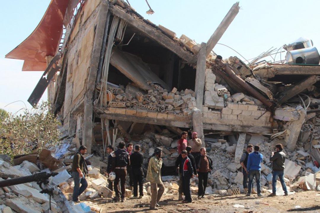2月15日,敘利亞伊德利卜省邁阿賴努阿曼鎮一間無國界醫生(MSF)支援的醫院被空襲炸毀。攝:GHAITH OMRAN/AFP
