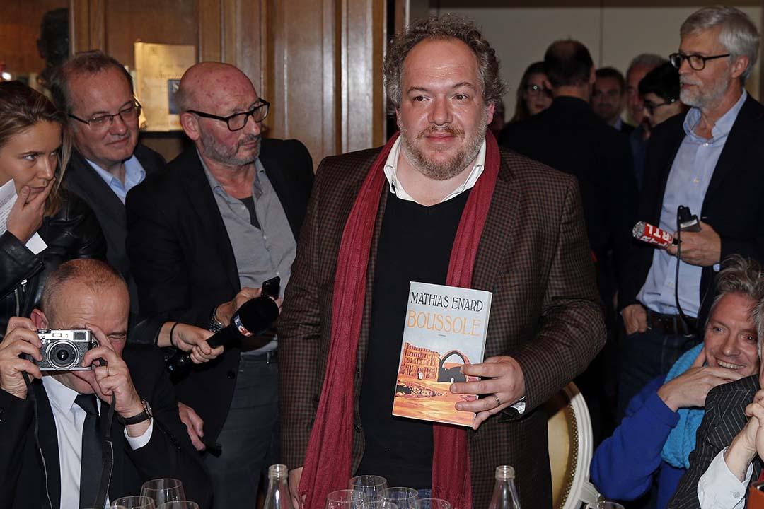 2015年法國龔古爾文學獎揭曉,艾那爾德(Mathias Enard)憑小説《指北針》(Boussole)獲獎。攝:Benoit Tessier/REUTERS