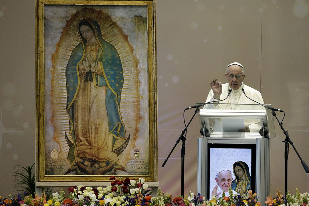 2月17日,教宗方濟各在墨西哥華雷斯城的一所學校內演講。攝:Max Rossi/REUTERS