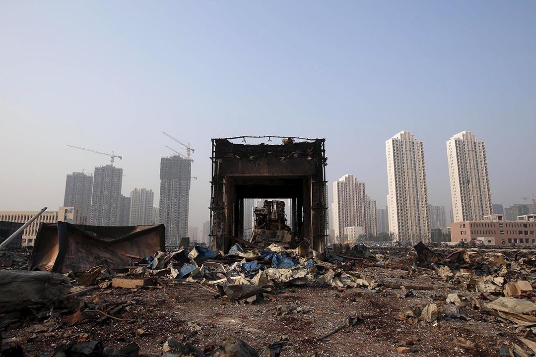 天津爆炸遺址中一座被炸毀的建築物。攝 : REUTERS