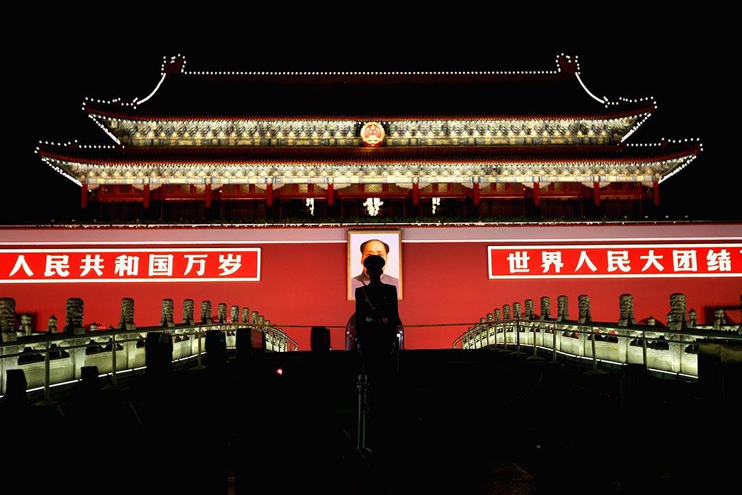 中國政府2014年啟動「天網」行動以來,美國首次向中國遣返公開曝光的「百名紅色通緝人員」攝:Feng Li/GETTY