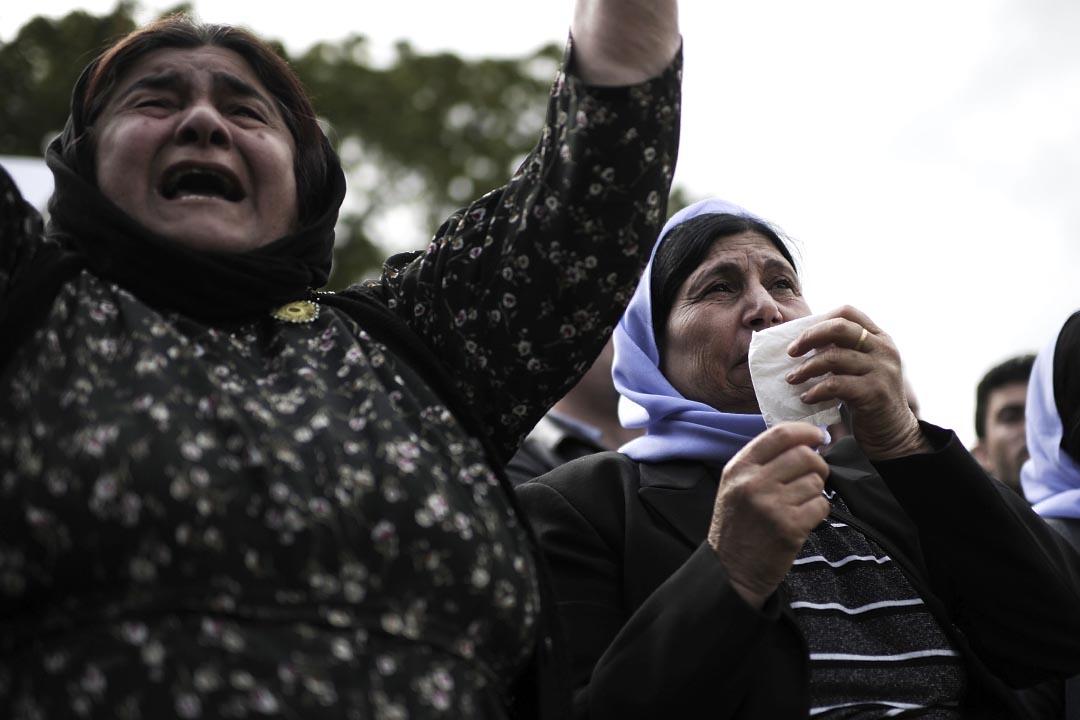 2014年8月14日,德國亞茲迪族(Yazidi)婦女舉行示威,抗議 IS 入侵殘害亞茲迪族。攝: Alexander Koerner/Getty