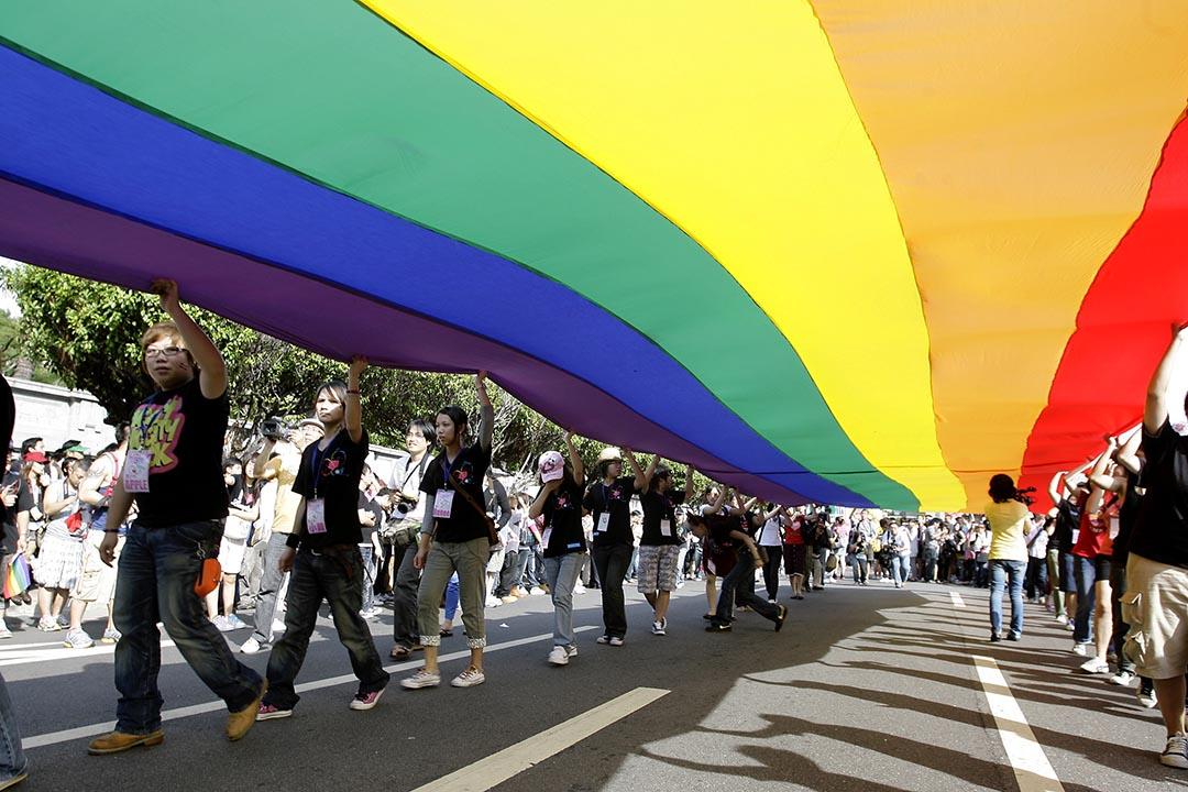「國際同志聯合會」第6屆亞洲區域分會在台灣舉行。圖為市民在台北參台灣同性戀遊行。攝 : Pichi Chuang/REUTERS