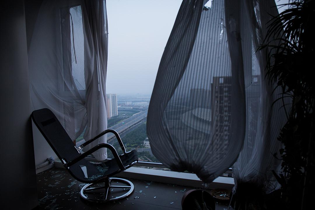 天津爆炸事件現場附近一個空置的單位。