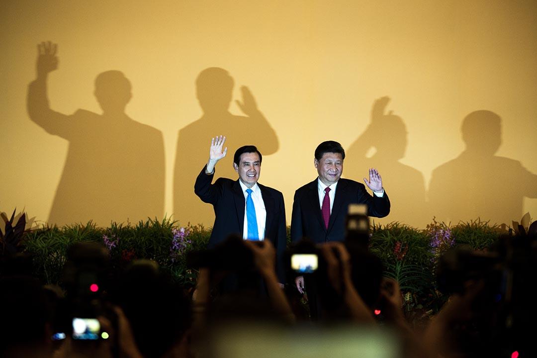 兩岸領導人中國國家主席習近平與台灣總統馬英九進行歷史性會面。攝:盧翊銘/ 端傳媒