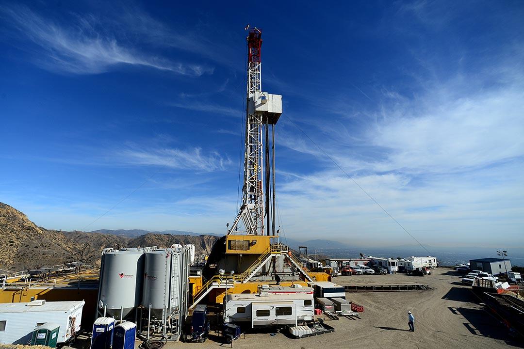 南加州天然氣公司經營的波特牧場區地下天然氣儲存井自去年發生洩氣事故,至今仍未能阻截氣體洩漏。攝:Dean Musgrove/Los Angeles Daily News via AP