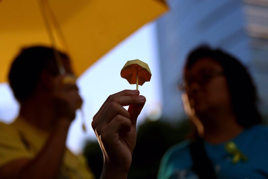 雨傘運動一周年,市民回到金鐘佔領區參與由民陣及學聯等團體舉辦的紀念集會。攝 : 盧翊銘/端傳媒