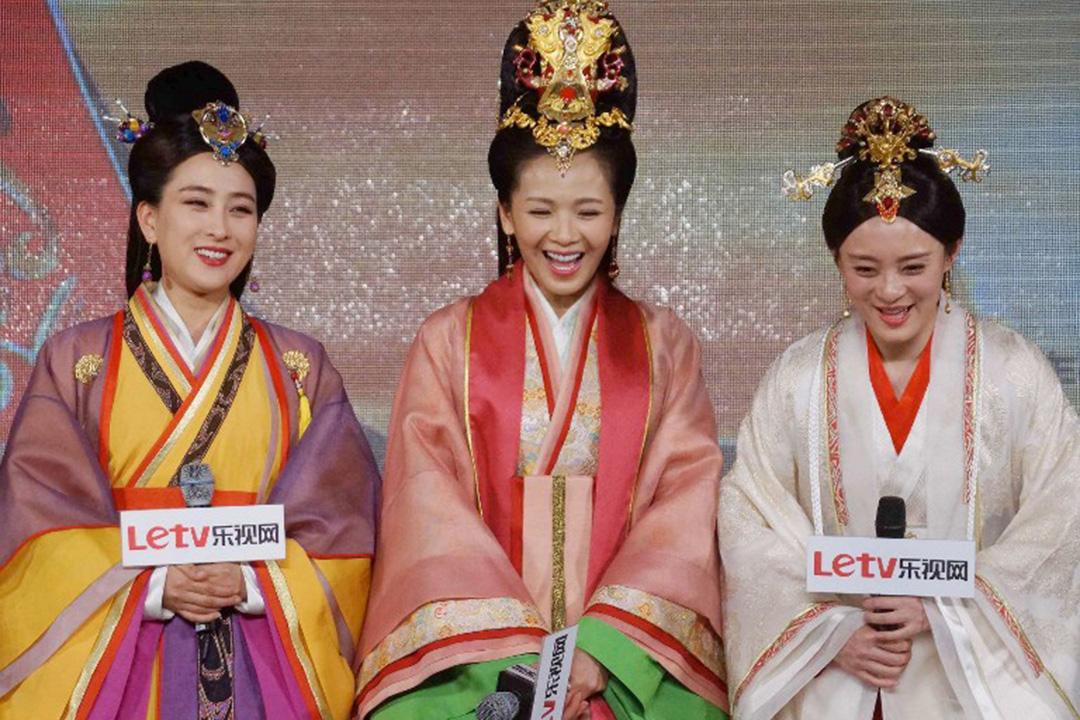 2015年5月1日,《羋月傳》演員(左至右)馬蘇、劉濤及孫儷在浙江出席宣傳活動。攝:IMAGINECHINA