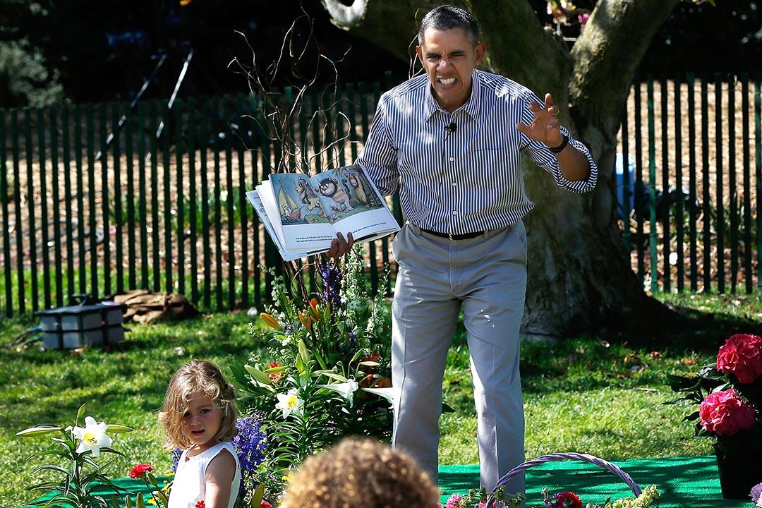 美國總統奧巴馬於去年復活節,在白宮七情上面地向小孩子演繹「野獸出沒的地方 」的故事。攝:Win McNamee/Getty