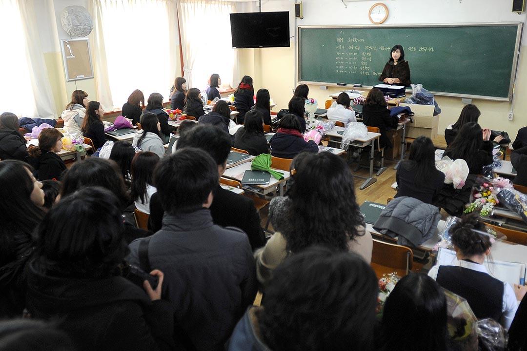 韓國教育部決定,將從2017年起由國家統一編訂初高中韓國史教科書,結束目前民間編定、國家審查的方式。攝: Park Ji-Hwan/ AFP