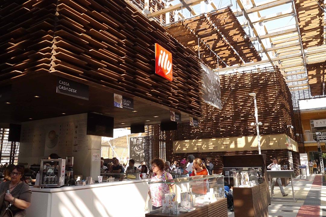 米蘭世博會變成大品牌的營銷場。照片由鄒崇銘提供