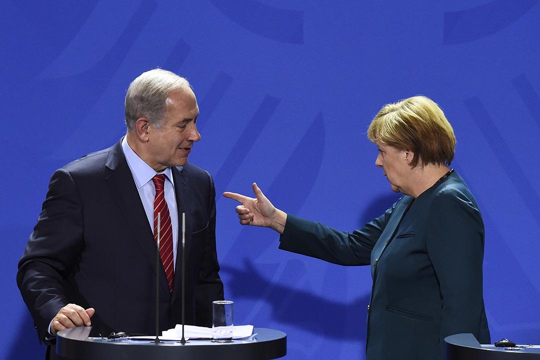 以色列總理內塔尼亞胡(左)和德國總理默克爾(右)。攝 : Tobias Schwarz/AP