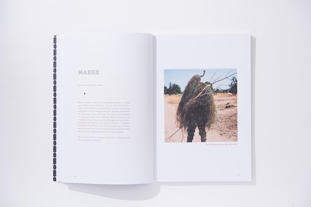 攝影是《Address》的重點之一,在第一期中可以找到不同攝影師和藝術家的圖片故事,如這是Phyllis Galembo鏡頭下充滿神話造型的非洲土著面具系列《Maske》。 (攝影:Lit Ma)