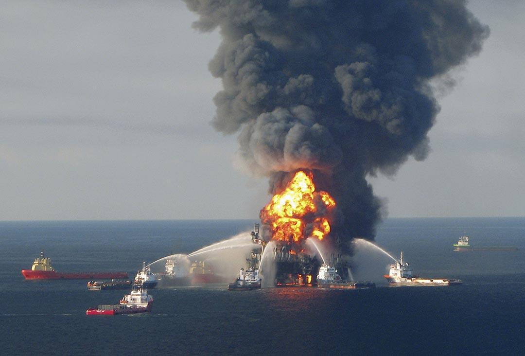 英國石油公司位在墨西哥灣的鑽油平台,於2010發生爆炸事故。攝:Handout . / Reuters