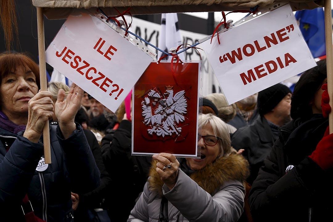 2016年1月9日,波蘭華沙,反政府示威抗議波蘭政府推出新媒體法。攝:Kacper Pempel/REUTERS