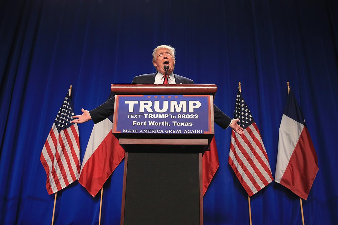 2月26日,共和黨總統參選人特朗普(Donald Trump)在德州一個造勢集會中進行演說 。攝 : Tom Pennington/Getty Images