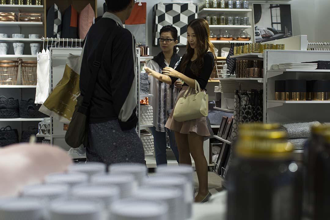 香港9月零售業總銷貨價值臨時估計為352億港元,與去年同期相比下跌6.4%。攝:羅國輝/端傳媒