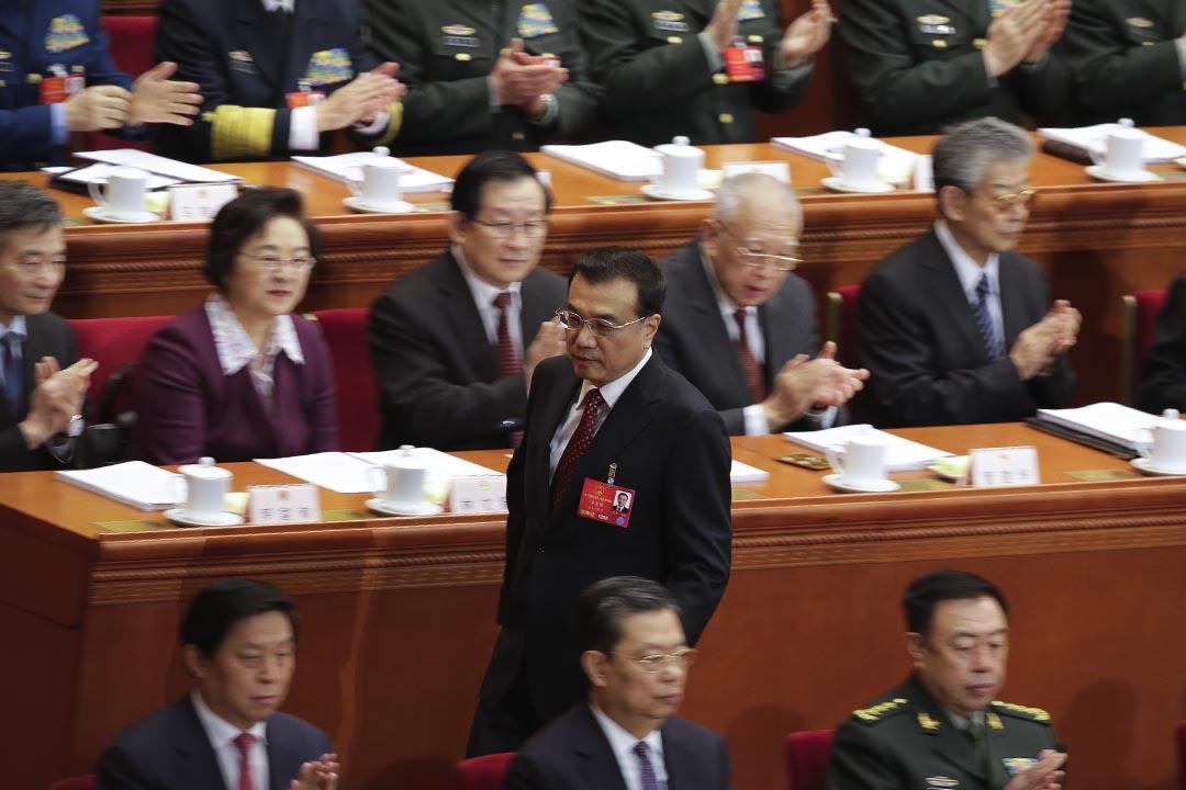 2016年年3月5日,中國總理李克強在全國人大會議上發表工作報告。攝:Andy Wong/AP