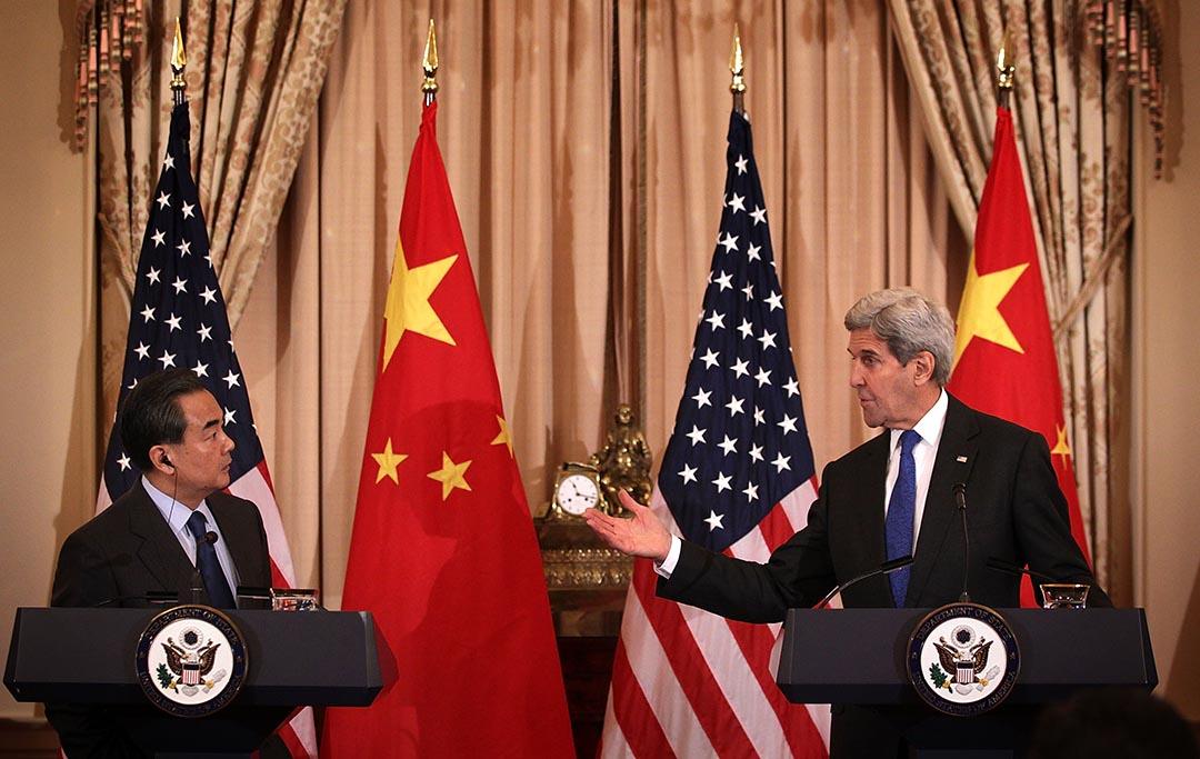 中國外交部長王毅與美國國務卿克里在華盛頓舉行聯合記者會。攝 : Alex Wong/GETTY