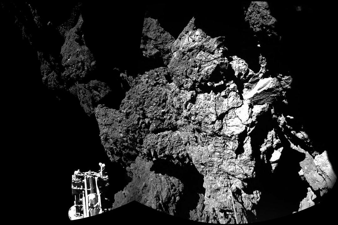 歐洲太空總署發佈羅塞塔號在「大黃鴨」彗星上的照片。圖:ESA via GETTY
