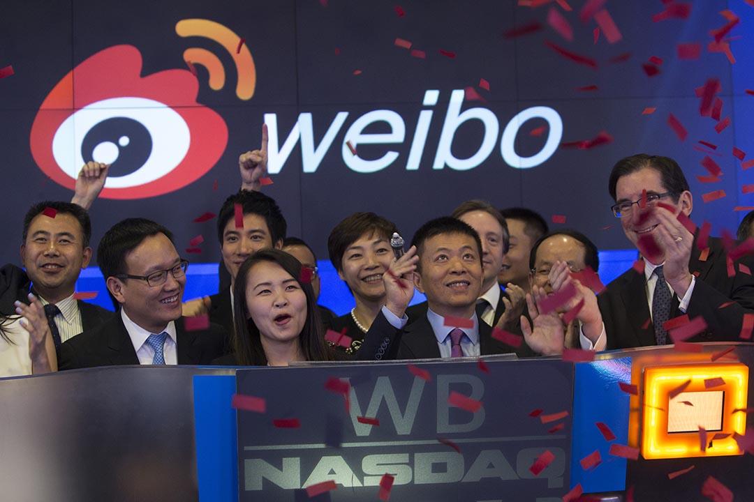 2014年4月17日 ,微博(Weibo)於美國納斯達克交易所(Nasdaq)上市。攝:Andrew Kelly /REUTERS