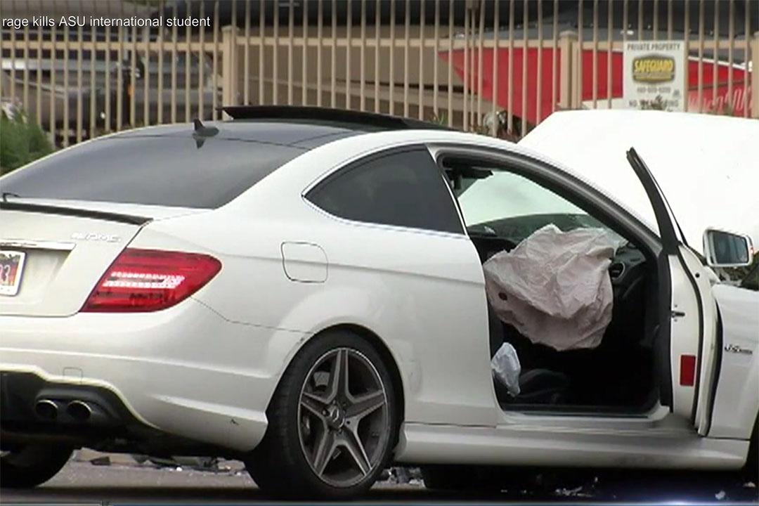 中國女生江玥遇害時所駕駛的汽車。攝:ABC15電視台截圖