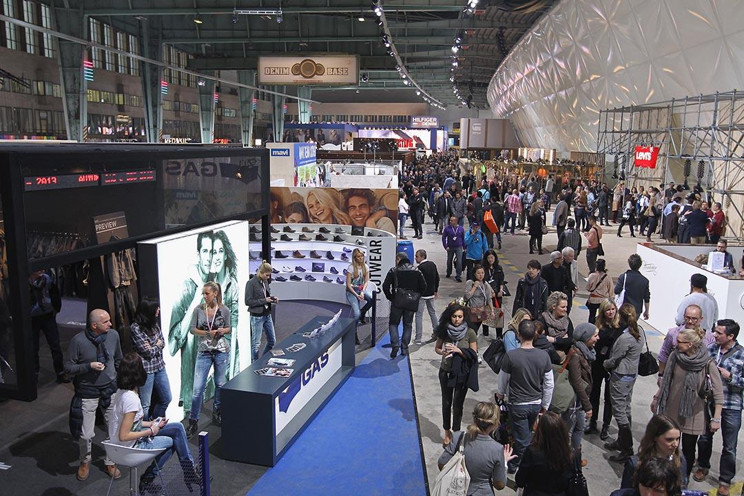 柏林著名的Bread&Butter Fashion Trade Fair(面包黃油時裝展)於停用的機場客運大樓舉行。攝:Sean Gallup /getty