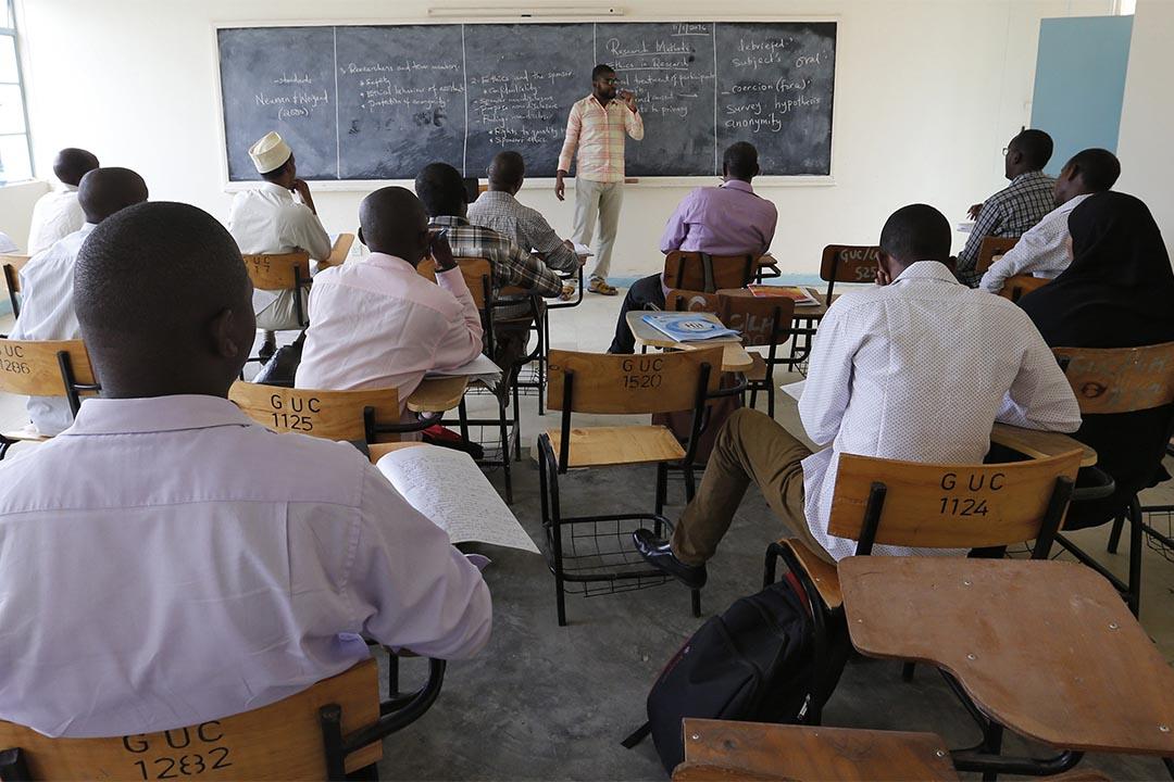 肯雅加里薩大學學生在上課。攝:Thomas Mukoya/REUTERS