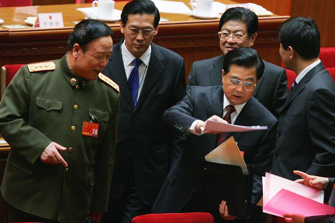 左-前中央軍副主席委郭伯雄攝:Feng Li/Getty