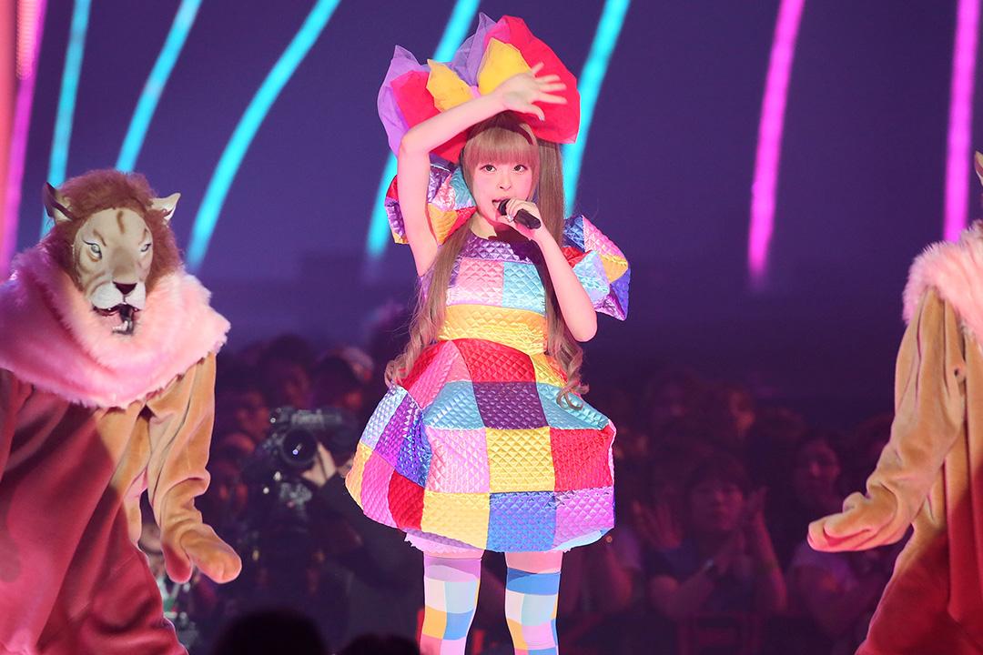 日本藝人Kyary pamyu pamyu在日本MTV電視節目上表演。攝: Ken Ishii/GETTY