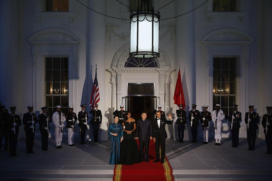 2015年9月25日,美國華盛頓,中國主席習近平與夫人訪美,奧巴馬與夫人在白宮舉行歡迎晚宴。攝:Chip Somodevilla/GETTY