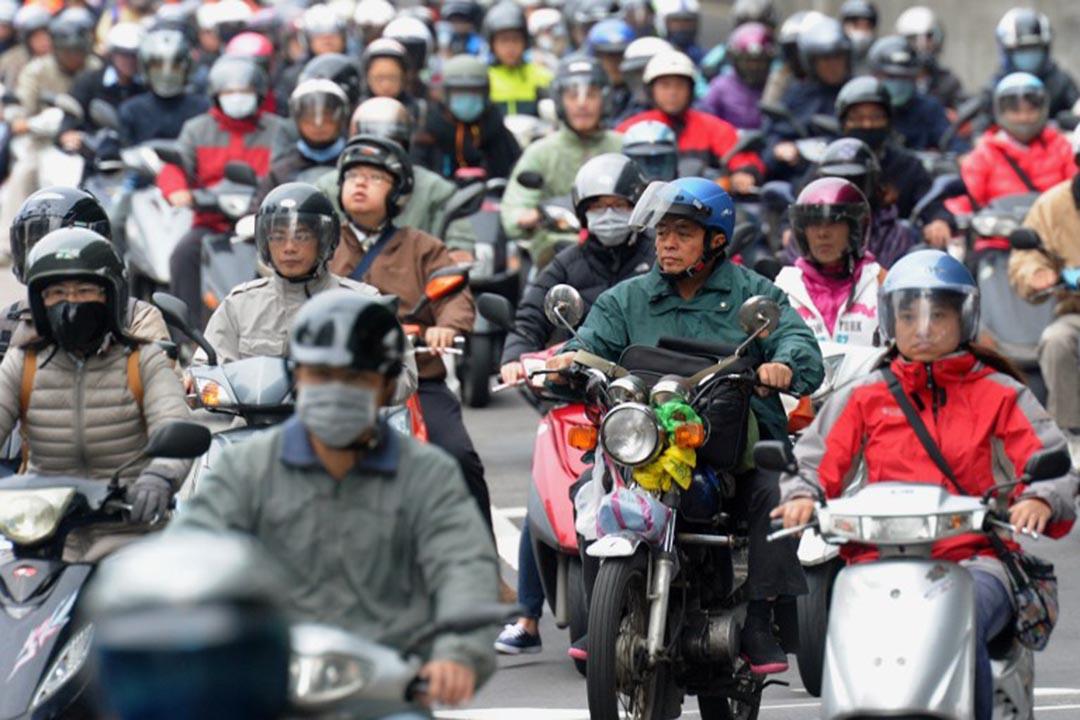 台灣的上班族。攝:Sam Yeh / AFP