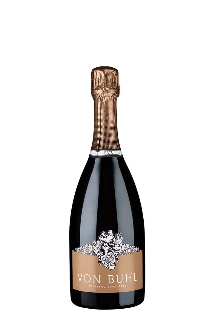 Reichsrat von Buhl Riesling Sekt B.A. Brut 2013 - 德國的汽香,稱為 Sekt 。 Sekt 多以當地傳統的葡萄品種 Riesling 釀製,向來會釀一些味道簡單的汽酒。不過 Reichsrat von Buhl 卻造出一瓶獨特的汽酒,更請來前 Bollinger 的釀酒師 Mathieu Kauffmann 擔大旗釀製。此酒於瓶內進行二次發酵,泡沬細緻,充滿成熟的酵母芳香,口感層次分明,令人耳目一新。