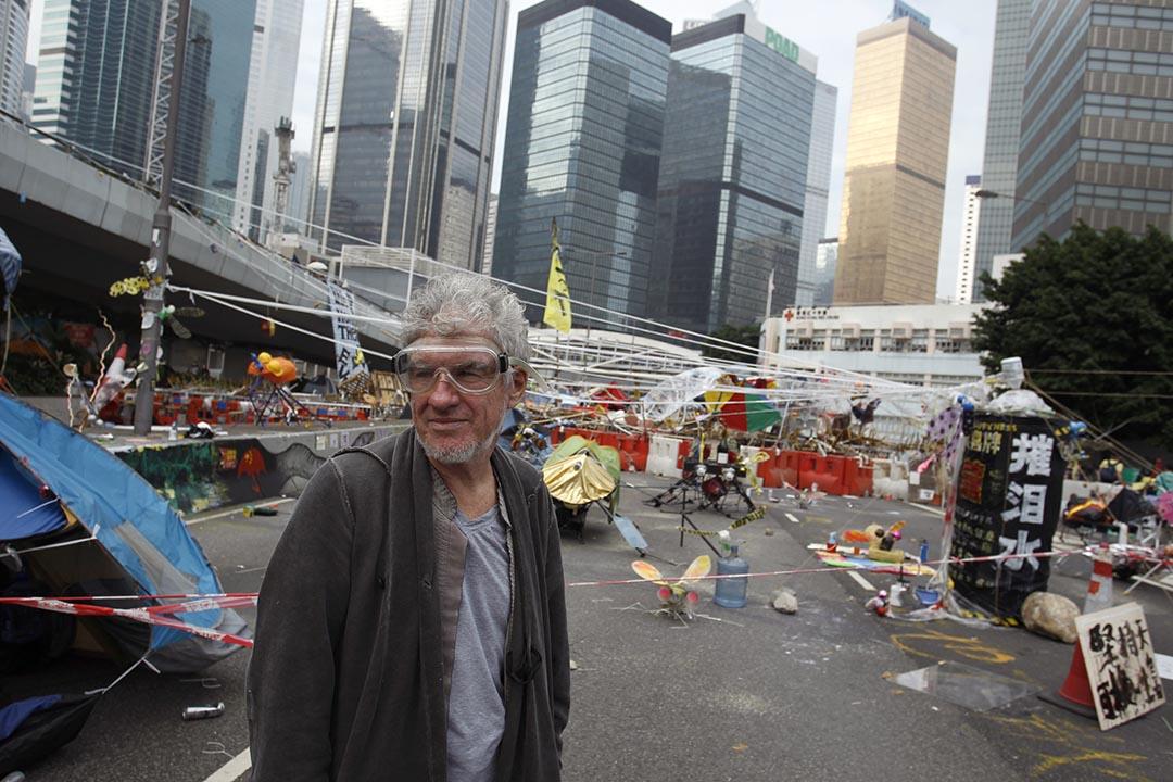 香港電影攝影師杜可風在「雨傘運動」期間經常到場拍攝。攝: Liau Chung-ren/REUTERS