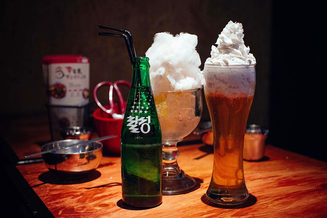 Popeye Cider (左),  Sky Beer。攝:葉家豪/端傳媒