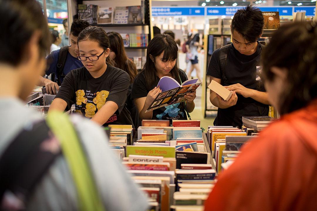 陳穎青:書展不能不賣書,不賣書就沒有出版社,沒有出版社就沒有書展,這是無法逃離的循環。攝:Billy H.C. Kwok/端傳媒