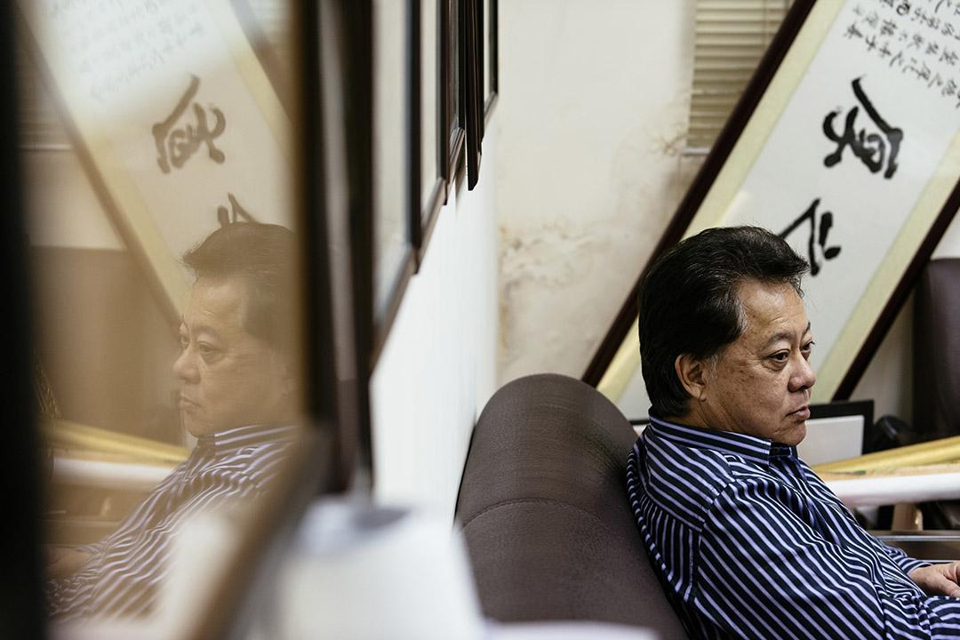 2015年5月23日,候志強在辦公室。攝:張百銘/端傳媒