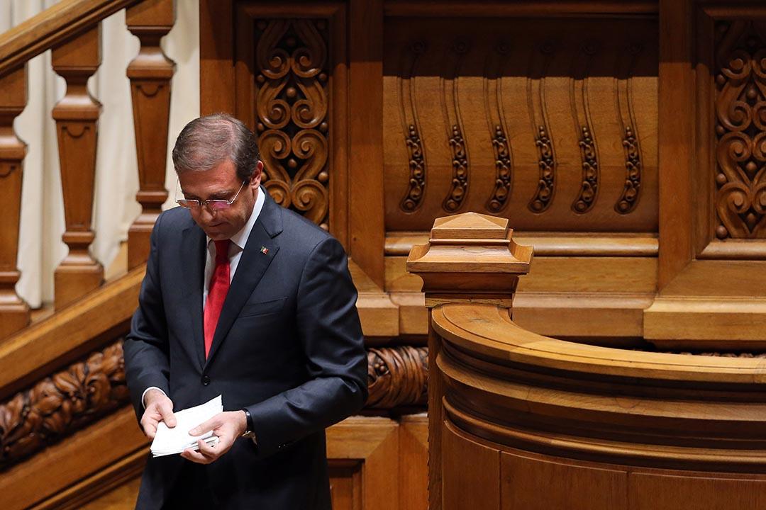 上任不足兩周的葡萄牙新總理科埃略(Pedro Passos Coelho)因新政府提出的施政計劃被國會否決宣布下台。攝:Armando Franca/AP