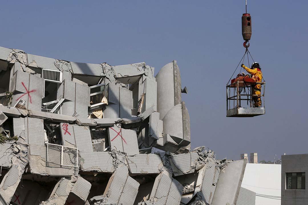 2016年2月6日,台南發生6.4大地震。攝 :Tyrone Siu /REUTERS