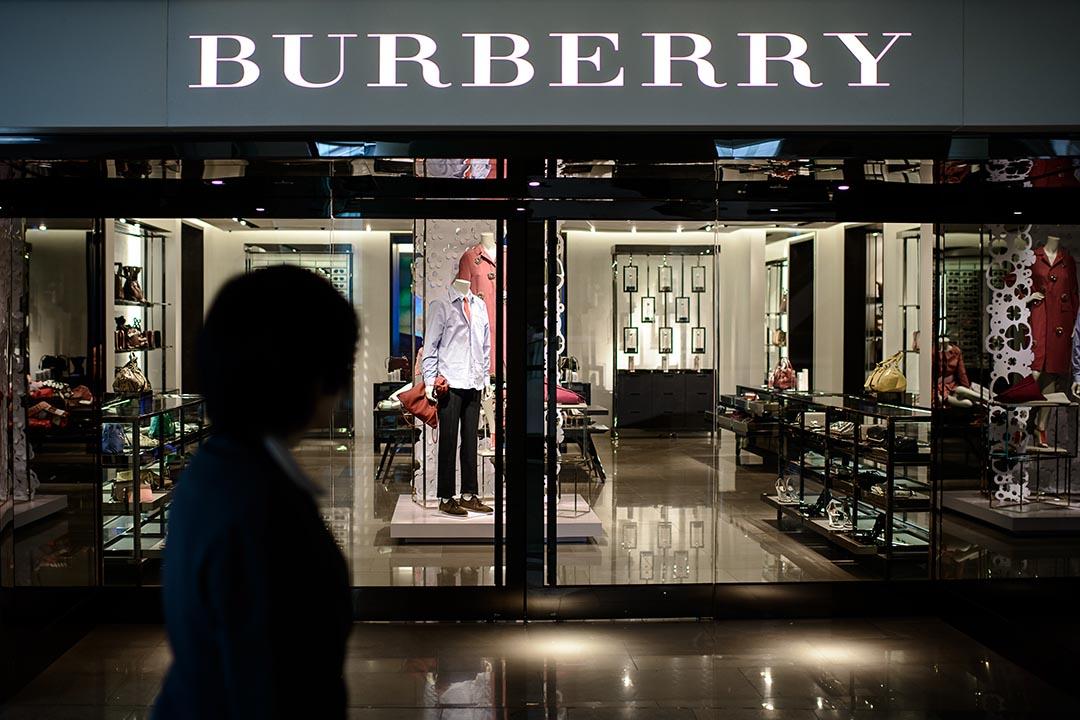 香港零售業連續5個月下跌,官方稱因訪港旅遊業放緩及股市調整導致。攝 : Philippe Lopez/AFP