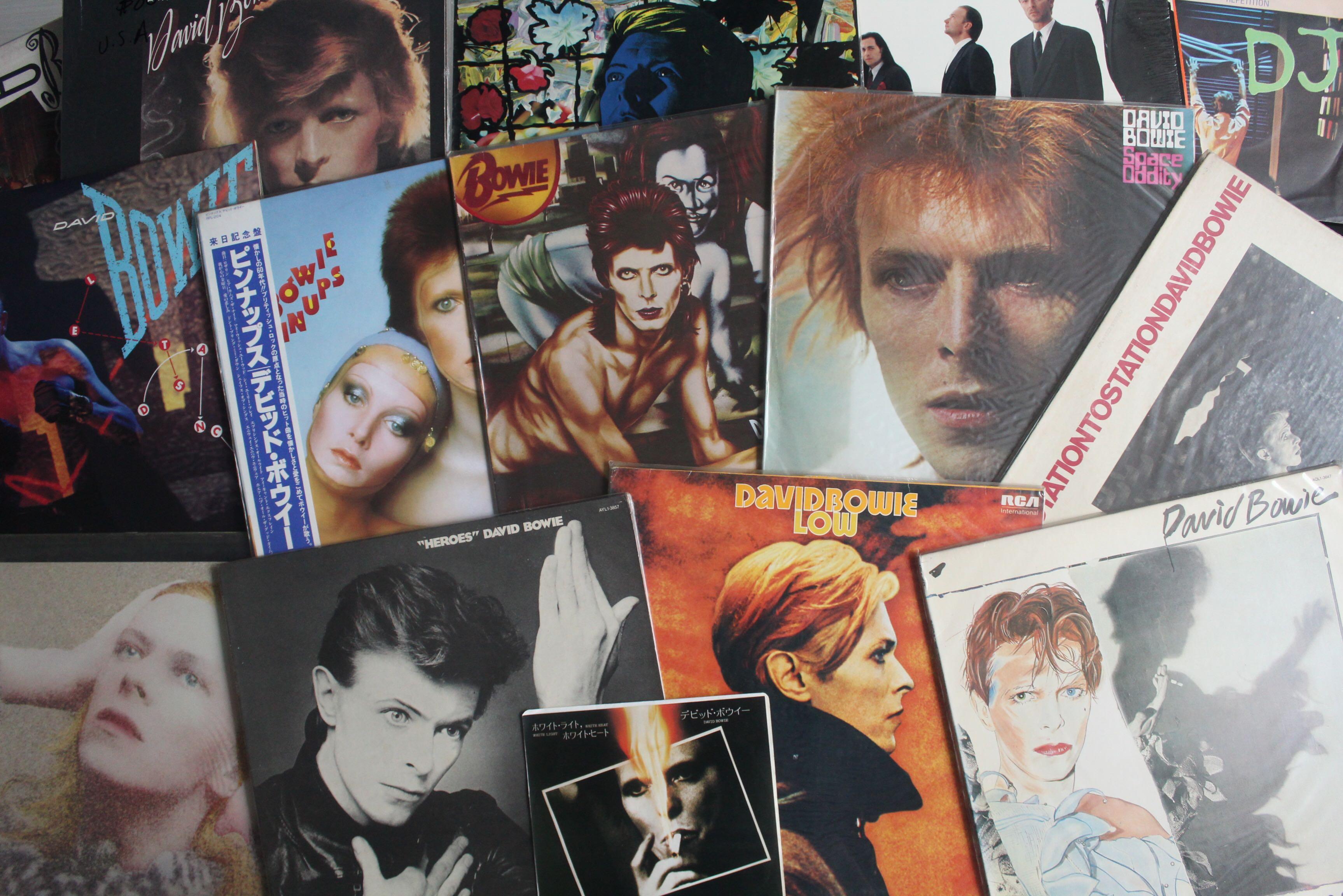 伴隨我成長的 David Bowie 黑膠唱片,如今仍繼續在我的唱盤上馳騁。圖片由作者提供
