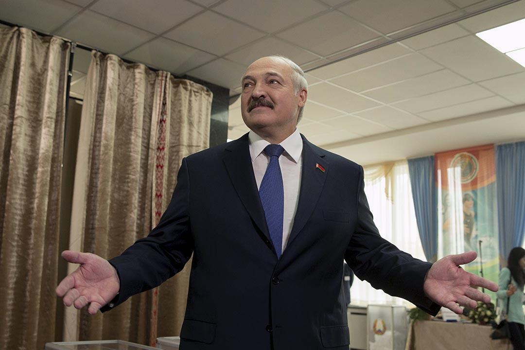 盧卡申科前往票站投票。攝: Vasily Fedosenko/ Reuters
