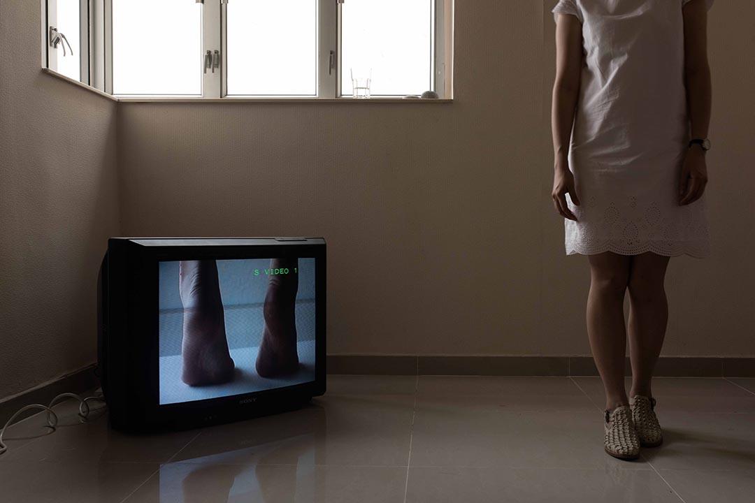 卓思穎在咩事藝術空間展出的錄像作品之一。攝:Lit Ma/端傳媒